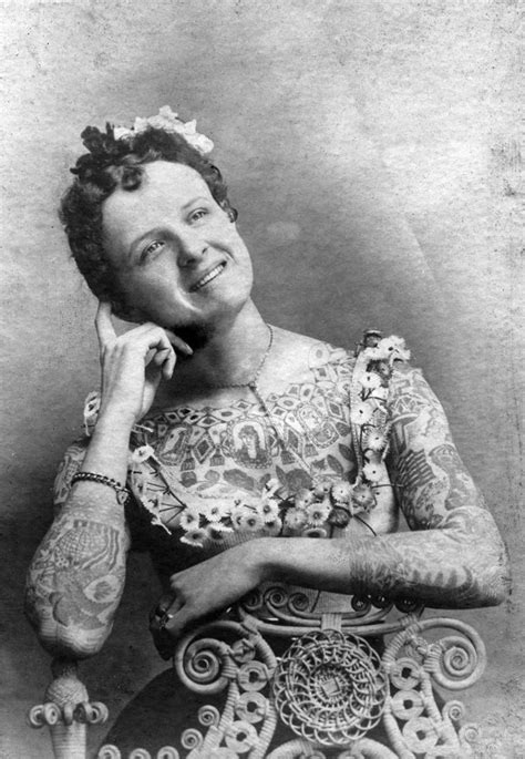 39 Gorgeous Vintage Portrait Photos of Tattooed Ladies from the Late 19th and Early 20th