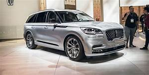 Luxury Car Comparison Chart 2020 Lincoln Aviator Starts At 52 195 Can Cost More Than