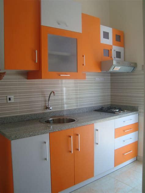 contoh kitchen set sederhana  dapur kecil