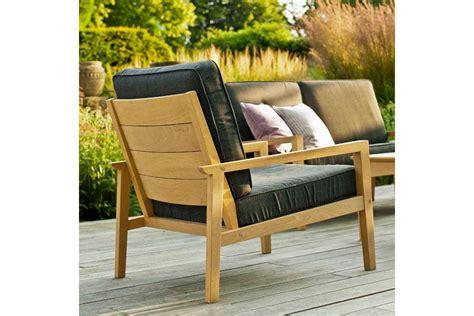 fauteuil de salon de jardin en bois avec coussin gris