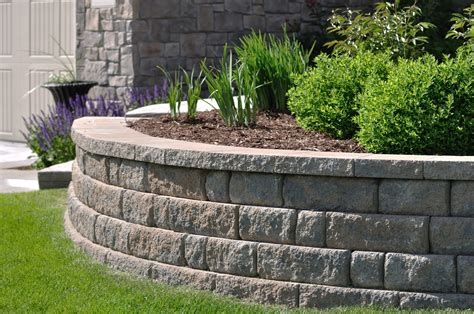 The designer's building blocks, retaining walls add visual interest whichever way you decide to incorporate them into your landscaping makeover. Compare the 6 Most Common Types of Retaining Walls