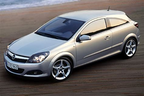 Opel Gtc by 2005 Opel Astra Gtc Images Specifications And Information