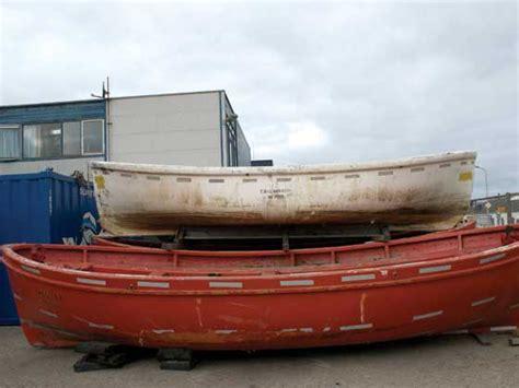 Reddingssloepen Te Koop Ijmuiden redders van reddingsboten lifeboat cy boten nl