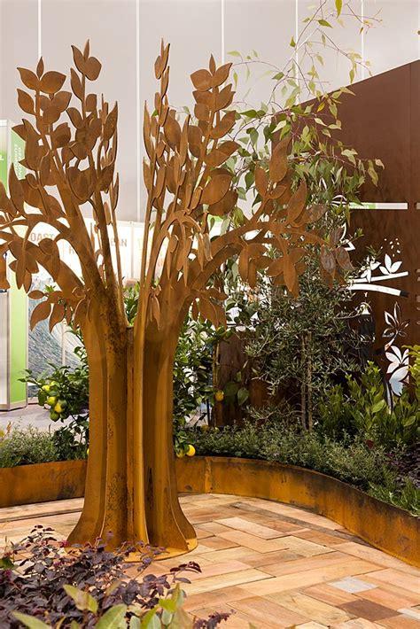 Backyard Metal by 1000 Ideas About Metal Tree On Metal