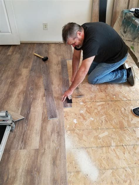 Installing Vinyl Floors   A Do It Yourself Guide