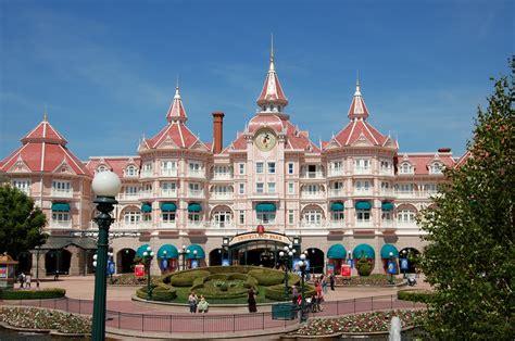 Tips for Disneyland Paris (Accommodation) - Mini ...