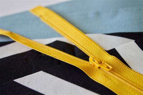 Easy Lined Zipper Pouch Tutorial And Some Exciting News