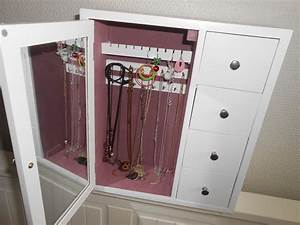 Armoire à Bijoux Gifi : bracelets pretty with nice default ~ Teatrodelosmanantiales.com Idées de Décoration