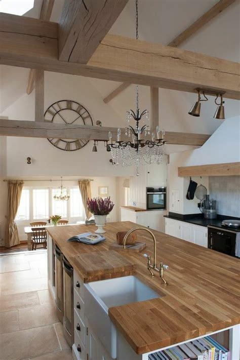 ilot central cuisine bois la cuisine équipée avec îlot central 66 idées en photos