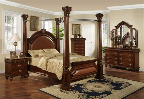 Mahagony Wood Bed Material Come With Classic Design