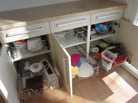 paniers coulissants pour meubles cuisine cuisine rangement coulissant rangement coulissant pour