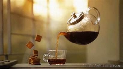 Tea Pouring Teapot