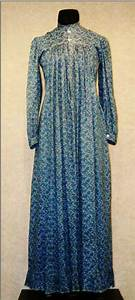 Mother Hubbard  Blue Calico Print Dress  Ca  Late 1900s