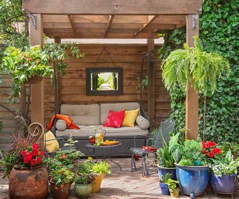 creating a secret garden playing with garden displays creating a secret garden this old house