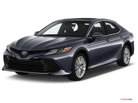 toyota camry xle auto natl specs  features