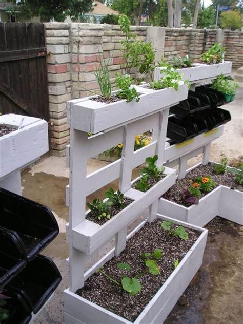 pallet planter pallet wood planters 101 pallets