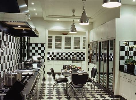 A Checkered Kitchen in Paris   Interiors By Color