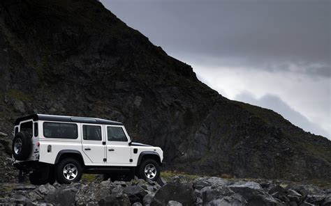 Land Rover Backgrounds by Land Rover Defender Hd Wallpaper And Background Image