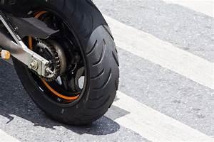 Reparation Pneu Flanc : kit de r paration de pneu moto composition utilit prix ooreka ~ Maxctalentgroup.com Avis de Voitures