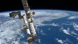 Iss Threatened By Possible  U2018mold And Bacteria