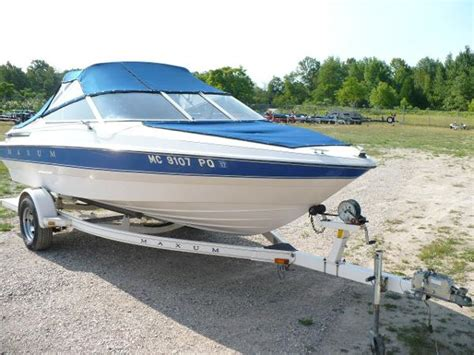 Boat Slip For Sale Traverse City by For Sale Used 1993 Maxum 1800 Sr In Traverse City