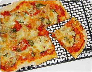 Auberginen Pizza mit neu entwickeltem Pizzateig Food