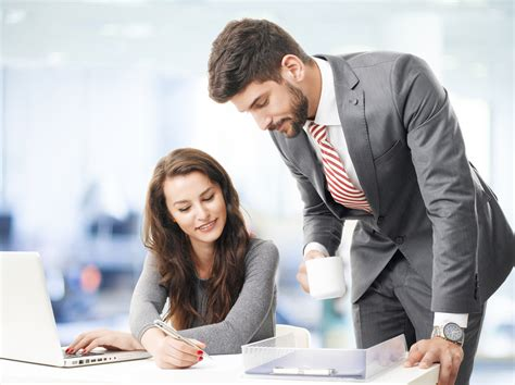 Salary Of An Accounting Clerk by Directivo Que Empuja Al L 237 Der Que Impulsa Grandes Pymes