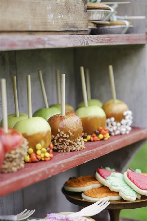 karas party ideas candy dipped carmel apples   kids