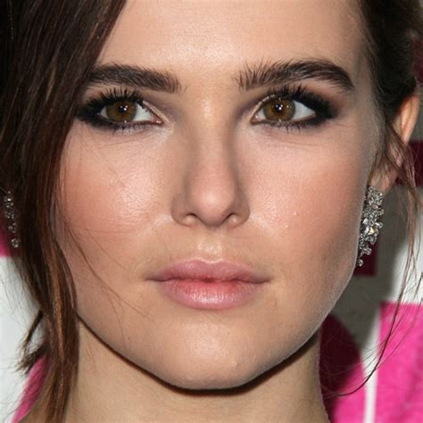 zoey deutchs makeup  products steal  style