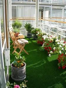 Rasenteppich Für Balkon : 24 beispiele f r sch nen balkonboden balkon terrassen zenideen ~ Eleganceandgraceweddings.com Haus und Dekorationen