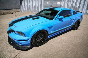 A Grabber Blue Three-Valve 2005 Ford Mustang GT Built for Show & Go - Hot Rod Network