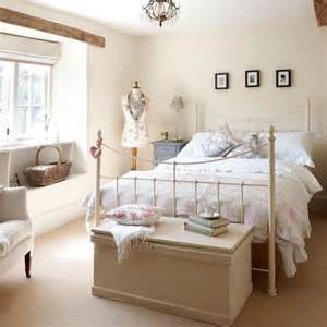 Simple Cottage Style Beds Ideas Photo by Second Guest Bedroom Cotswolds Farmhouse House Tour