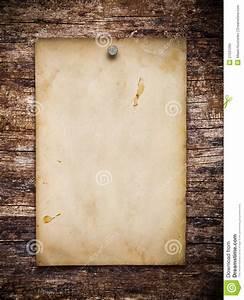 Von Papier Auf Holz übertragen : altes papier auf dem holz stockbild bild von station r 27531295 ~ A.2002-acura-tl-radio.info Haus und Dekorationen