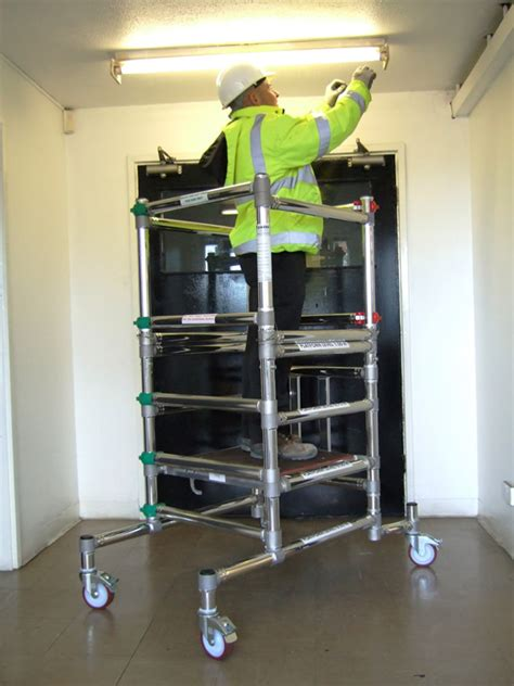 podium  platform london tool lift hire