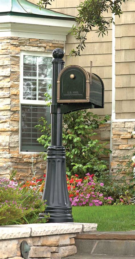 Trending Curb Appeal Town&style