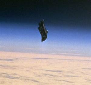 Black Knight Satellite? Mysterious craft looking object in ...