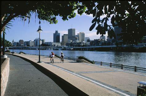 Australia, April 1998