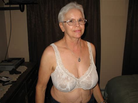 1 Porn Pic From Granny Jeannes Bra Wardrobe Sex