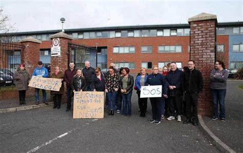 de la salle belfast parents continue protest at de la salle college gates in belfast the news