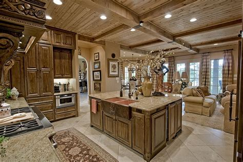 11 luxurious traditional kitchens 18 luxury traditional kitchen designs that will leave you