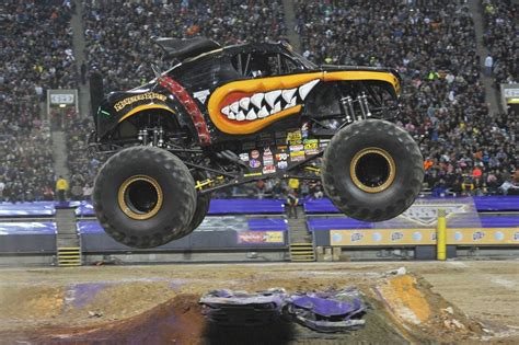 monster truck jam cleveland ohio wdw hints jammin 39 with monster jam wdw hints