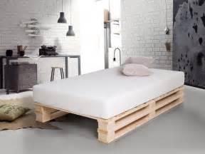 schlafzimmer sofort lieferbar paletti duo massivholzbett aus paletten 120 x 200 cm fichte natur