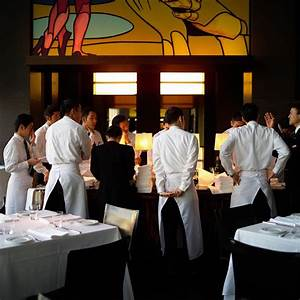 Customer Service Qualifications What Does A Restaurant Manager Do