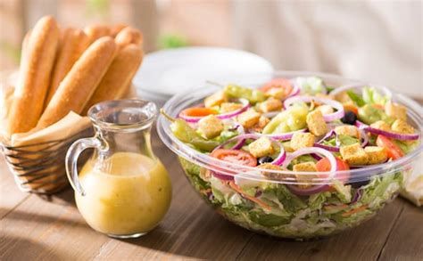 Olive Garden Salads by Our Jumbo House Salad Includes 12 Breadsticks
