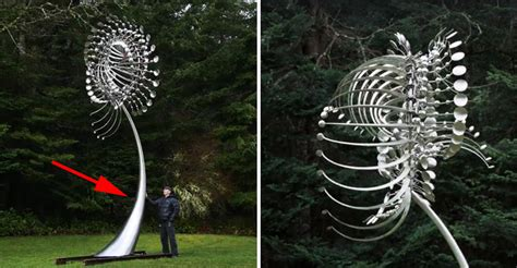 Anthony Howe Creates Giant Kinetic Wind Sculptures