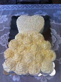 cupcake wedding dress best 10 wedding dress cupcakes ideas on bridal shower cupcakes wedding dress cake