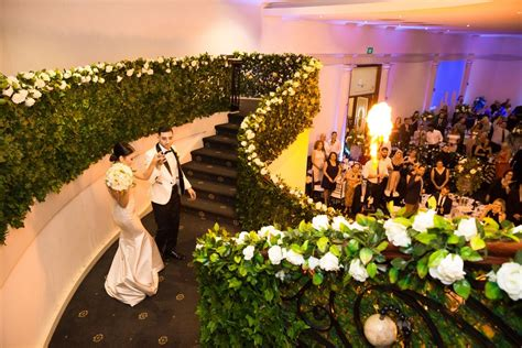 what s the average cost for wedding decorations