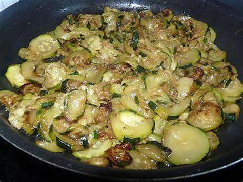 poele a cuisiner cuisiner des courgettes a la poele 28 images recette