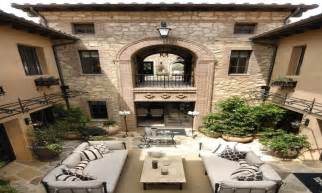 style homes with courtyards italian style homes with courtyards mediterranean style homes villa style house plans