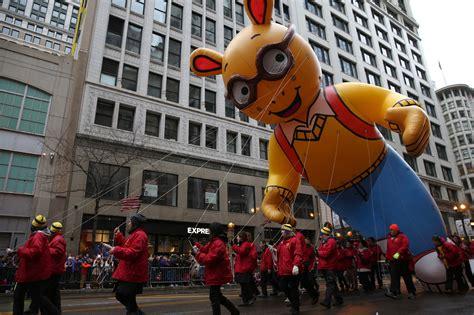 mcdonalds thanksgiving parade  chicago tribune